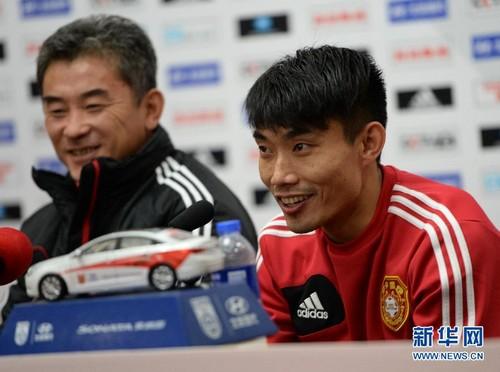 郑智10岁客串足球电影。图片来源:新华网。