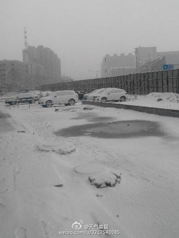 7日,黑龙江牡丹江市出现降雪。(图片来源:微博)
