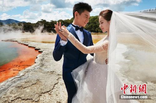 吴奇隆、刘诗诗婚纱照