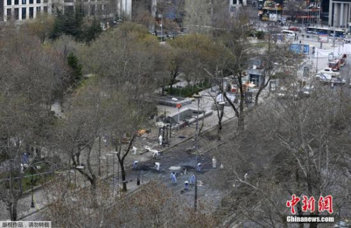 本地时刻13日,土耳其都城安卡拉发作他杀式汽车炸弹攻击事情。依据今朝最新的计管用值显现,这起事情中的罹难者人数曾经回升到37人。