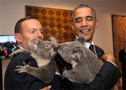 """奥巴马与哪些动物有过""""亲密接触""""?(组图)"""