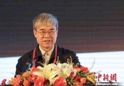 国家互联网协会理事长邬贺铨揭晓主题演讲。 张茵 摄