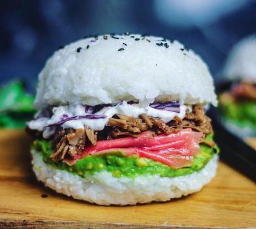 """跨界美食""""寿司汉堡""""来了:东西合璧 颜值担当(图)"""