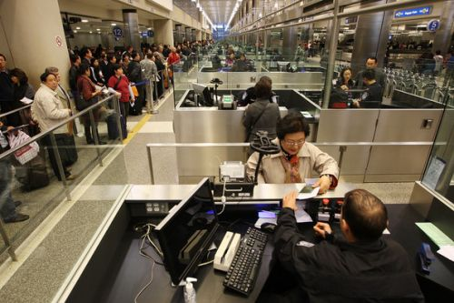 中国一些游客赴美观光签证被拒如何顺利入境