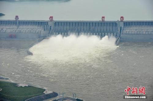 材料图:三峡大坝开泄洪深孔泄洪 图像来历:CFP视觉国家