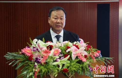 董事长万峰:用产品和服务促转型 打造核心竞争力。