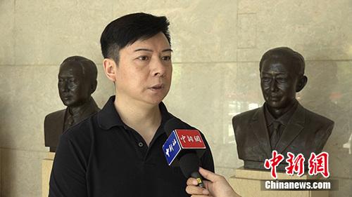 胡文阁接受(微信公众号:cns2012)记者采访。