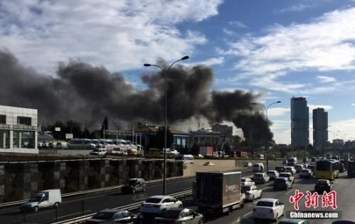2016年1月12日,伊斯坦布尔著名旅游景区苏丹艾哈迈德广场发生剧烈爆炸。