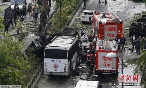 2016年6月7日,伊斯坦布尔发生炸弹爆炸,一辆警用巴士被炸毁,导致11人死亡、36人受伤。