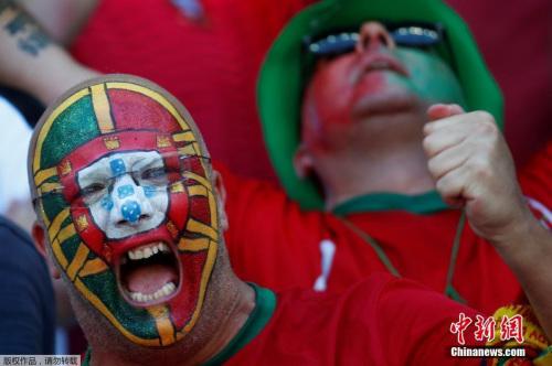 欧洲杯扩军后赛制改变,葡萄牙小组赛尽管只收获三连平,但仍以小组第三出线,并一路杀进了四强