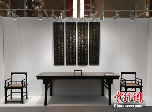 7月7日,北京银座2016春季拍卖会预展在京举行。图为预展现场。宋宇晟 摄