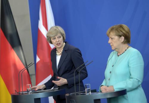 英国首相特蕾莎・梅和德国总理默克尔在柏林举行了联合记者会。(图片来源:路透社)