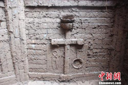 墓室壁精美的造型。 张博 摄