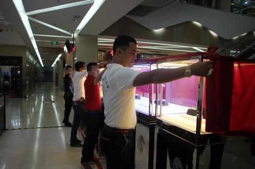 北京亮马国际珠宝古玩城国际戒面展现场。