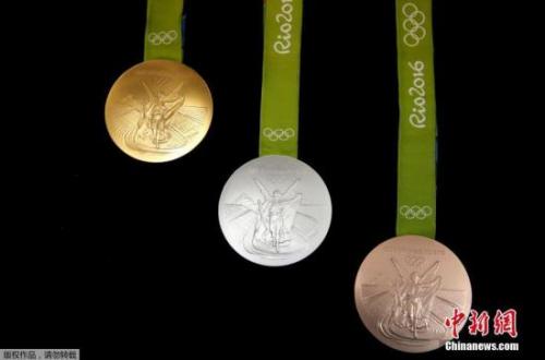 材料图:2016年巴西里约奥运会的金银铜奖牌。