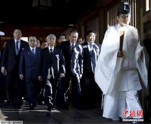 资料图:日本议员参拜靖国神社