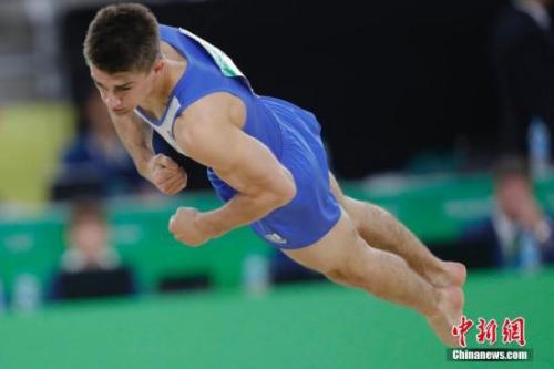 当地时间8月14日,在里约奥运会大发5分PK10自由操决赛中,英国选手惠特洛克凭借8.833的超高完成分获得冠军。中新网记者 盛佳鹏 摄