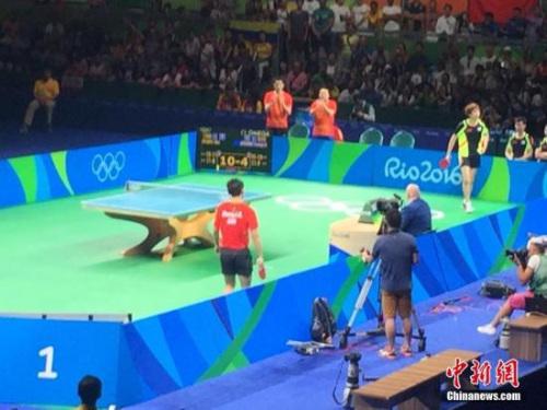 本地时刻8月15日,2016里约奥运乒乓球女子集团半决赛,国家队对阵韩国队。中新网记者 王曦 摄