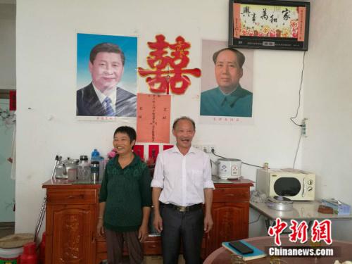 搬进新居的陈佛生夫妇 记者 张尼 摄
