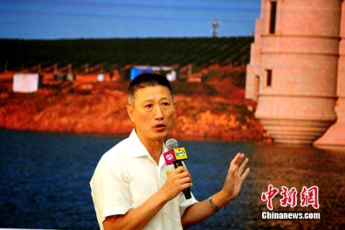 """张裕公司总司理周洪江示意,""""小萄""""的上市那是张裕为餍足多元化的酒类消耗需要所做的致力。"""