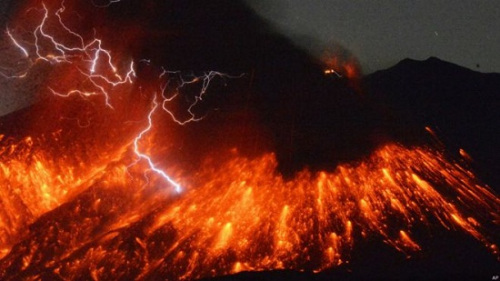 日本最活跃火山将在30年内大爆发 距核电站49公里