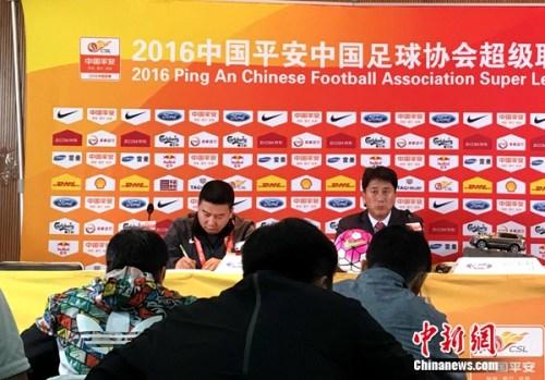 赛后,延边队主帅朴泰夏对球队发挥并不满意。记者王牧青摄。