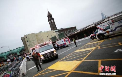 本地时刻9月29日,美国新泽西州霍博肯,一列火车撞上站台,或形成很多职员伤亡。图像来历:CFP视觉国家