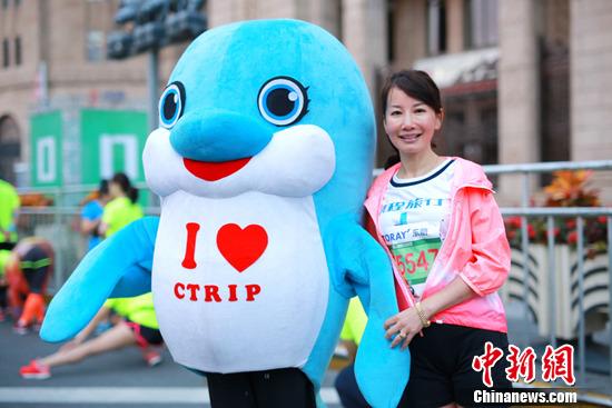 携程联合总裁孙洁助力上海马拉松:不停奔跑中的女飞人