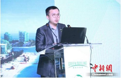 碧桂园集团副总裁朱剑敏发表演讲