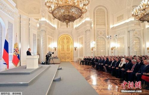 当地时间12月1日中午12时5分,俄罗斯总统普京在克里姆林宫圣乔治大厅向联邦会议发表国情咨文