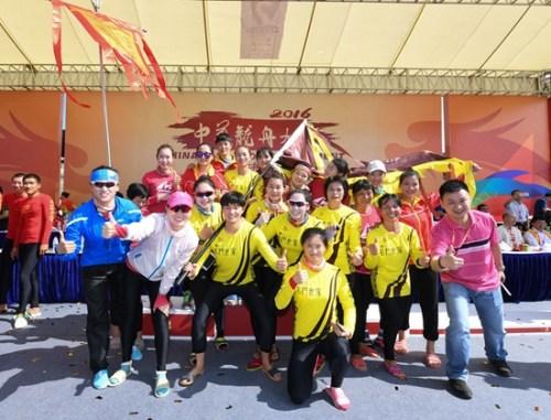 名门世家九江女队夺冠欢庆。主办方供图