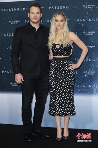 詹妮弗·劳伦斯与克里斯·帕拉特 《太空旅客》柏林首映礼
