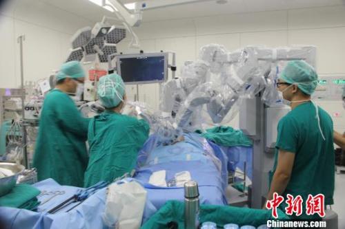 2016年达芬奇机器人单机手术量全球第一花落浙江