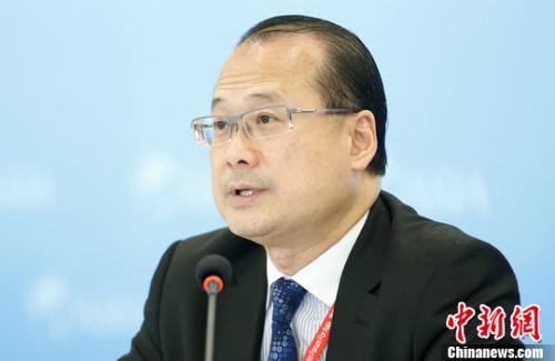 蔡冠深第三度担任中总会长:为香港工商界发声