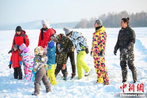 《爸爸4》最后一集今晚上线 冰上PK暖心大团圆