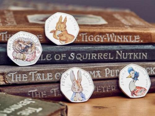 """英国皇家铸币局推出一套""""彼得兔""""纪念币。"""