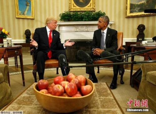 当地时间2016年11月10日,奥巴马与新当选总统特朗普在白宫进行了长达一个半小时的会面,商讨政权交接等事宜。