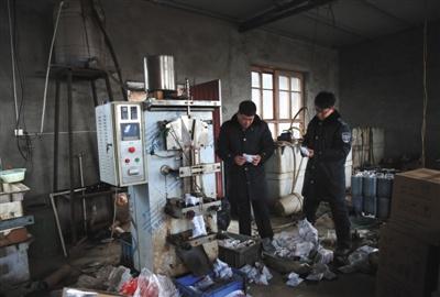 天津调料造假窝点调查:已控制多名造假嫌疑人