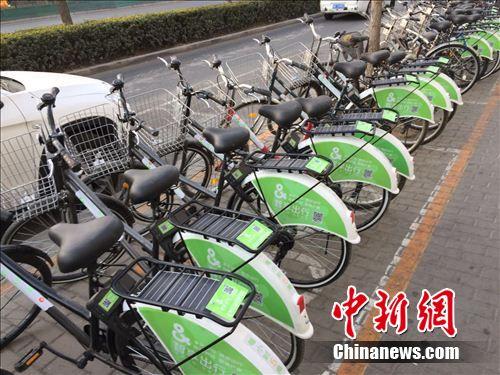 行业不乏新的入局者,图为智享出行单车。 吴涛 摄