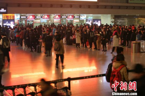大年三十,成都机场客流量跌至春运最低。 吕俊明 摄