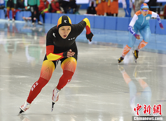 资料图:张虹在比赛中 中新社记者 徐冬冬 摄