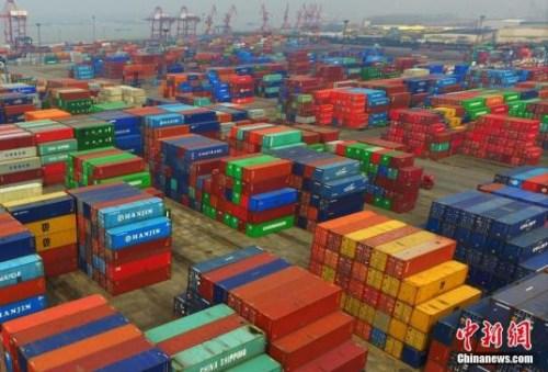 资料图:航拍南京龙潭港。中新社记者 泱波 摄