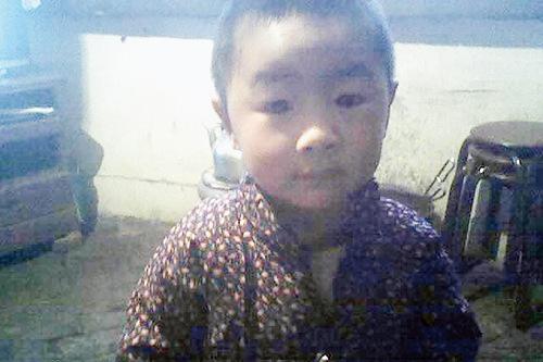 56岁父亲寻8年前失踪幼子:再看一眼愿搭上老命