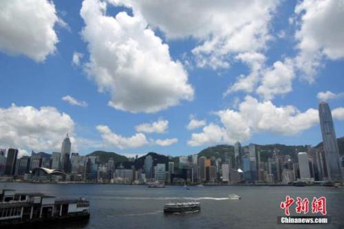 香港住宅楼价指数10连升创新高 料今年再升1成