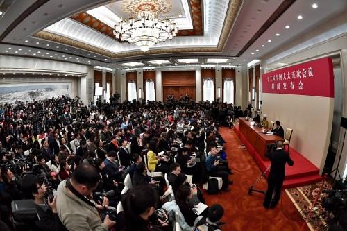 十二届全国人大五次会议首场发布会4日举行,大会发言人傅莹答记者问 记者 金硕摄
