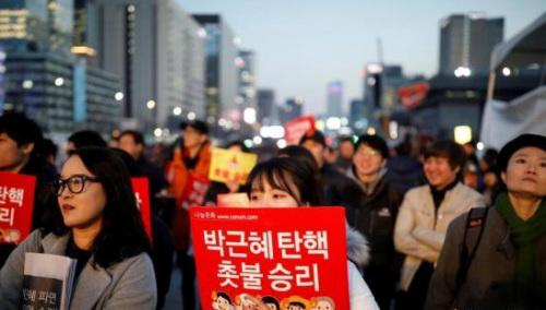韩媒:朴槿惠遭罢免第二天仍留青瓦台保持沉默