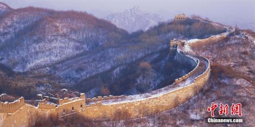 北京慕田峪长城,大拐弯雪景。 李少白 摄 图片来源:CTPphoto