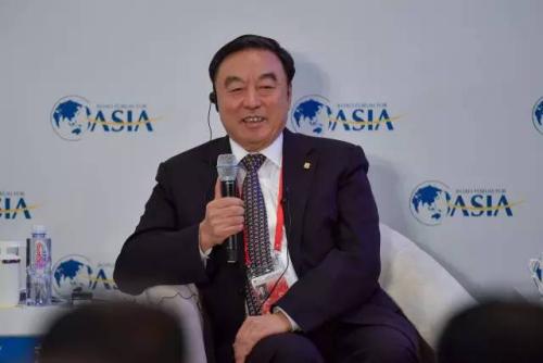 中国招商银行前行长马蔚华出席论坛。   中新社记者 骆云飞 摄
