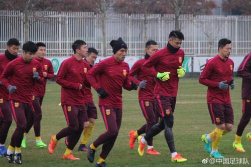 中国男足抵达客场后训练瞬间。图片来源:中国足协官方发布