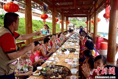 资料图:广西与台湾少数民族文化联谊。蒋雪林 摄